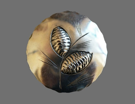 Round shaped Pine cone engraved brooch pin. Sterling silver