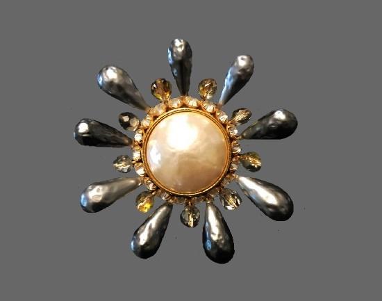 Sunburst brooch. Faux baroque pearls, gold tone metal, crystals
