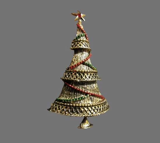 Textured gold tone Christmas brooch