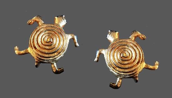 Turtle gold tone clip on earrings