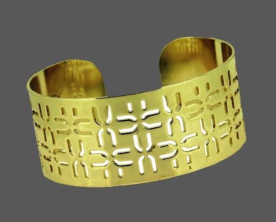 U design openwork Bangle bracelet of gold tone