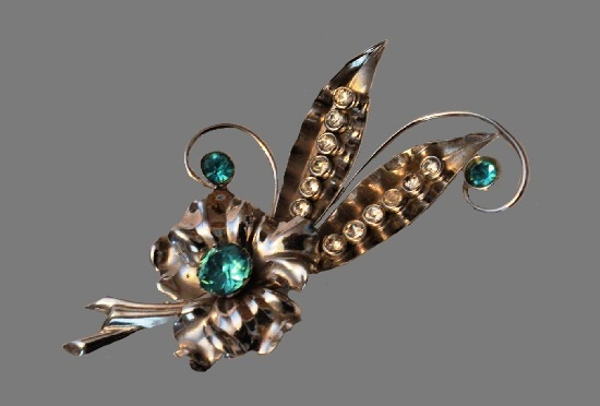 Vintage flower brooch. Silver, gold plated, crystals