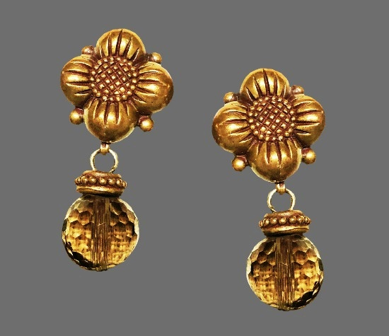 Vintage flower design dangle earrings. Sterling silver, bronze, quartz