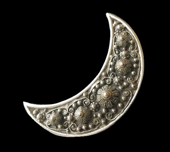 1940's Etrusceana Ornate Rhodium Crescent Moon Statement Brooch Thief Of Baghdad