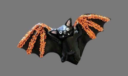 Bat Halloween handpainted plastic brooch. 1990s