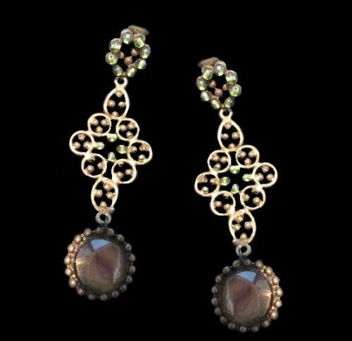 Beautiful dangle earrings. Faux pearl, gold tone metal, glass cabochon