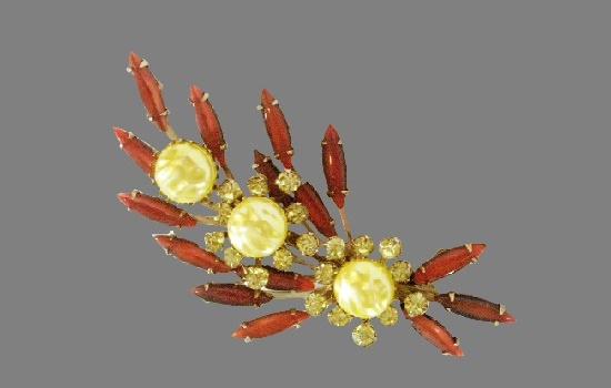 Beautiful floral design brooch. Gold tone metal, faux pearls, amber color and clear rhinestones