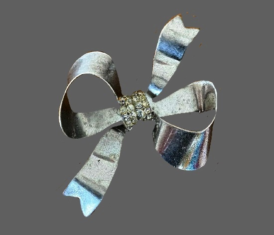 Bow brooch. Sterling silver, rhinestones. 1940s