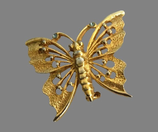 Butterfly Gold Tone Brooch Pin. 1960s