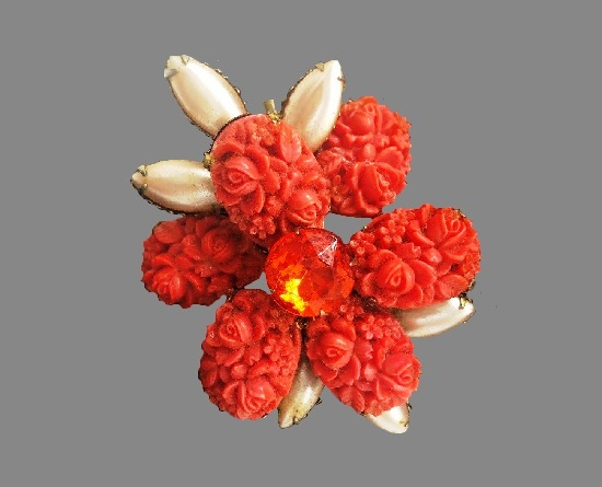 Coral flower pin. Gold tone alloy, molded glass, rhinestone, faux pearls