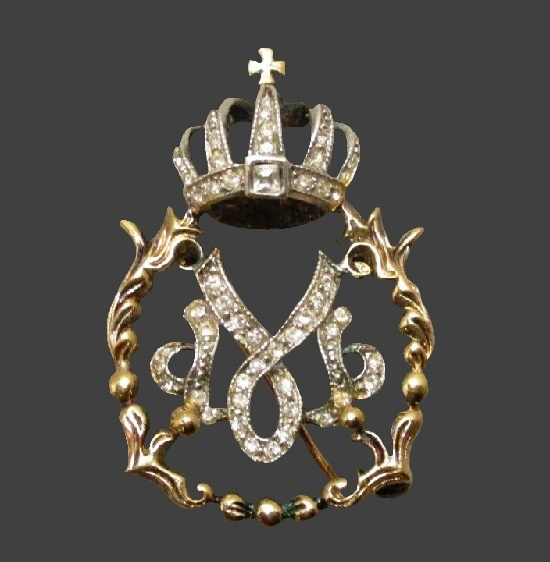 Crown heraldic theme brooch. Sterling Silver Vermeil Clear Rhinestones