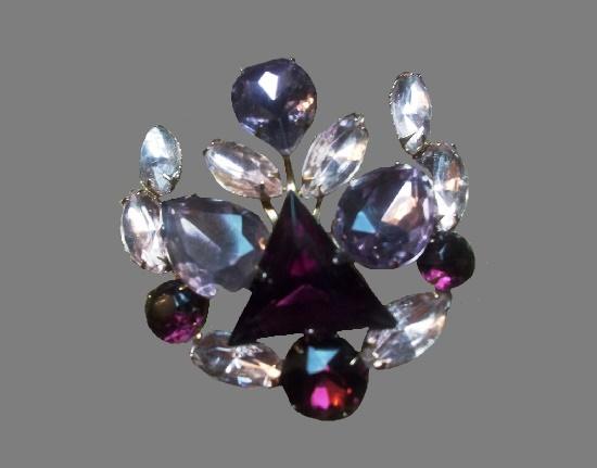 Crystal flower brooch. Metal alloy, crystals. 5 cm, 1980s