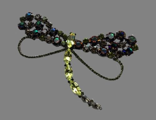 Dragonfly jeweled brooch. Metal alloy, multicolor crystals