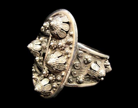 Etrusceana Thief of Bagdad Ornate Buckle Hinged Clamper Bracelet