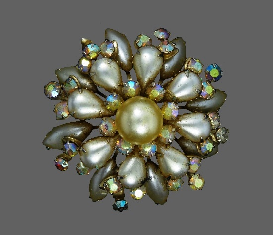 Faux pearl cluster Aurora borea;is crystals brooch. 1960s