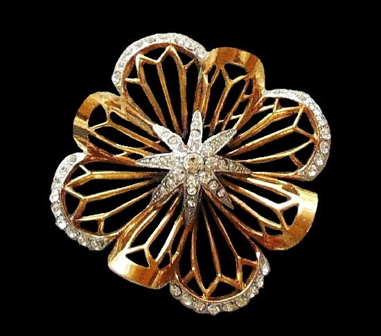 Floral design brooch with a star in the center. Gold tone, pave set clear crystal rhinestones. Jeray signed