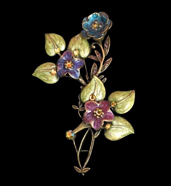 Flower brooch. Bronze tone, rhinestones, enamel
