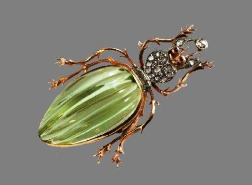 Gorgeous beetle brooch. Gold, diamonds