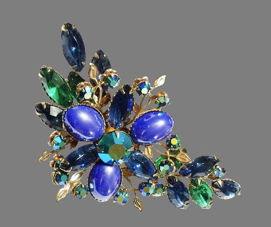 Gorgeous green and blue floral design brooch. Gold tone metal alloy, art glass, rhinestones