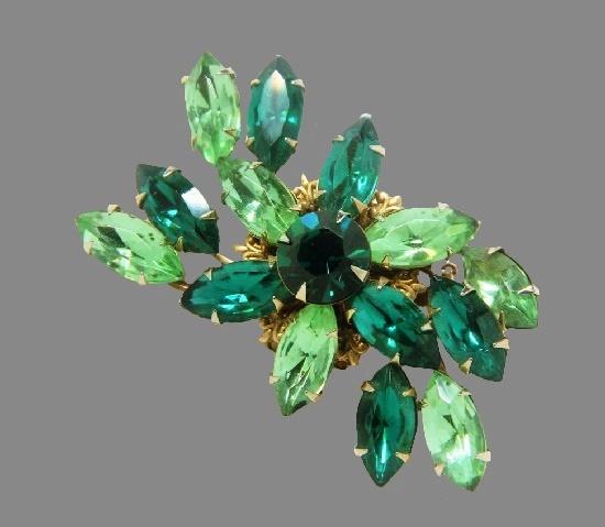 Green rhinestone brooch. 5.5 cm. 1960s