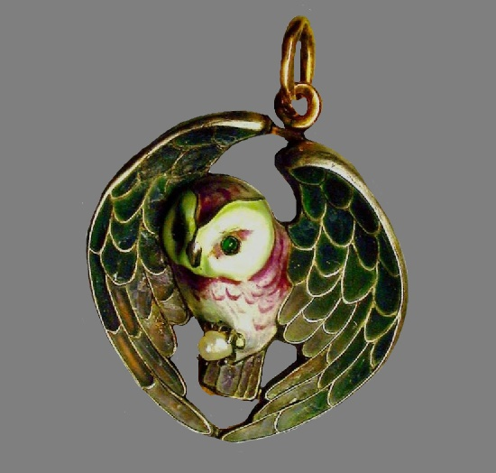 Owl pendant. Gold, silver, pearls, window and colored enamels. Moscow, 1916-1917
