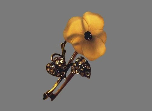 Pansy Brooch. Moscow, 1887-1896. Master O. Pil. Moonstone, diamonds, gold, carving. Moscow Kremlin Museums