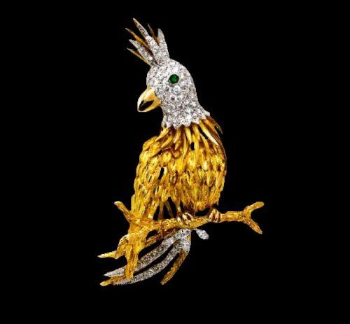 Parrot brooch. 14 K yellow gold, diamonds
