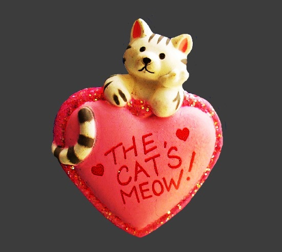 Pink heart That cat's meow glitter brooch. 1980s