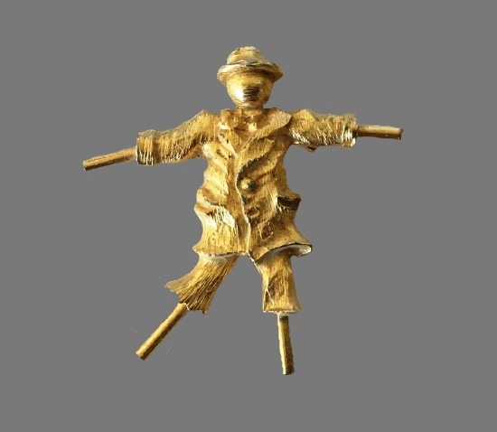 Scarecrow Gold Tone Brooch Pin. 1950s