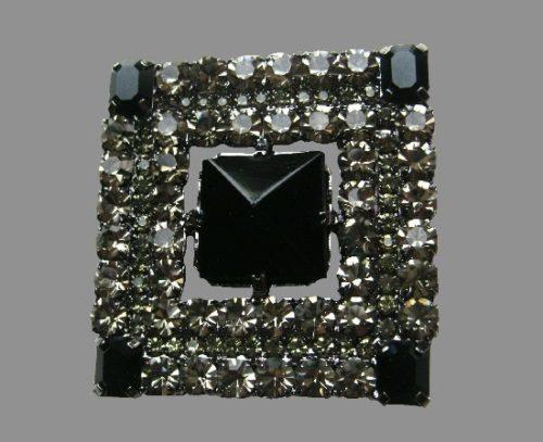 Square shaped Art Deco brooch. Silver tone metal, black rhinestones, art glass
