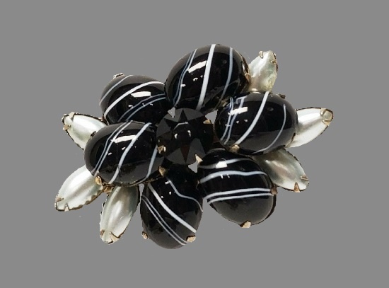 Striped Black and white floral design brooch. Gold tone alloy, art glass, faux pearls