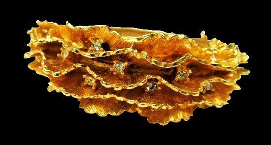 Three-dimensional textured gold tone metal, diamond crystals
