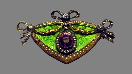Topaz brooch. St. Petersburg. 1908-17. Pink topaz, pearls, diamonds, gold, silver