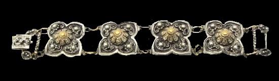 Vintage flower design bracelet. 1940s