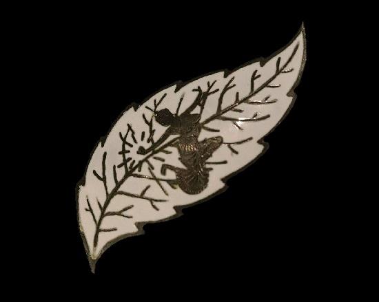Vintage leaf brooch. Sterling silver, white enamel