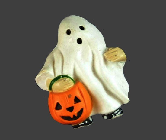 White Ghost with pumpkin vintage brooch pin