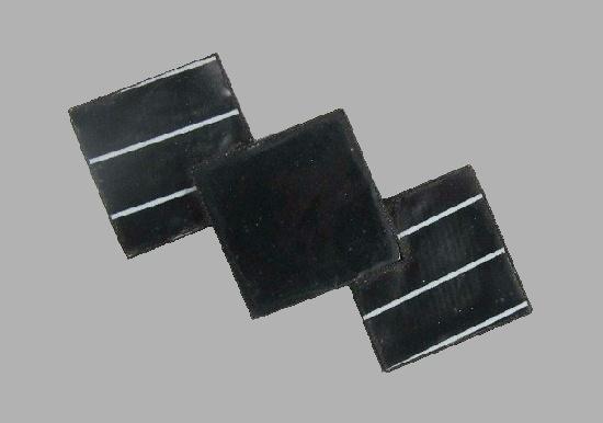 1940s Black Plastic Diamond Shapes Bar Brooch Pin