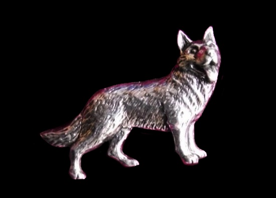 Alsation German Shepherd Dog pin brooch, pewter