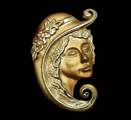 Art Deco lady in a hat brooch pin of gold tone