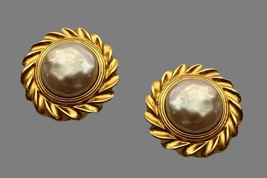 Baroque Pearl gold tone clip on earrings. 1990s