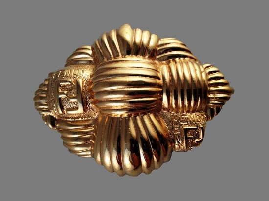 Basket weave design brooch. 18 K gold, logo. 1980s
