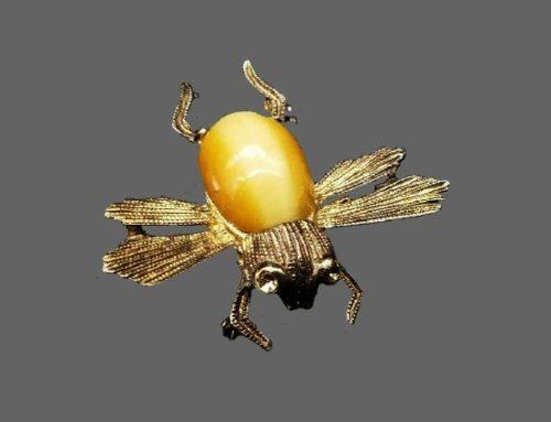 Bee brooch. Catseye stone, sterling silver, rhinestones