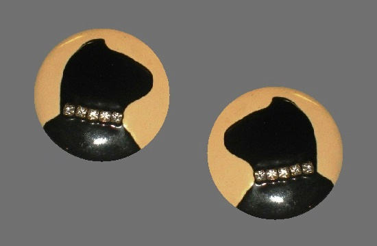 Black cat round shaped earrings. Enamel, rhinestones