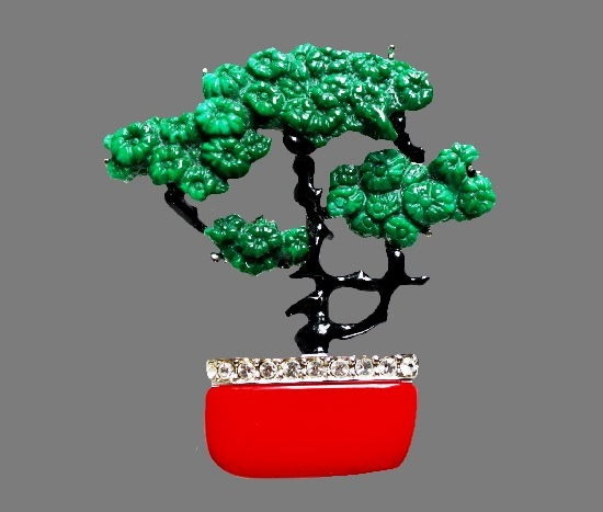 Bonsai tree brooch. Jewelry alloy, enamel, lucite, rhinestones, glass. 5.5 cm. 1980s