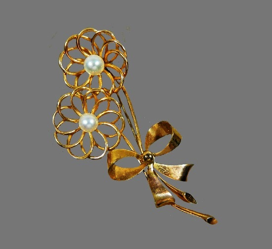 Bow tied flowers brooch. 12 K gold filled, Akoya pearls