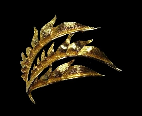 Brushed and bright gold leaf brooch