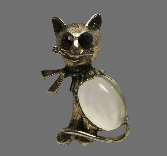 Cat brooch. 925 Sterling silver, 'jelly belly' lucite, red art glass