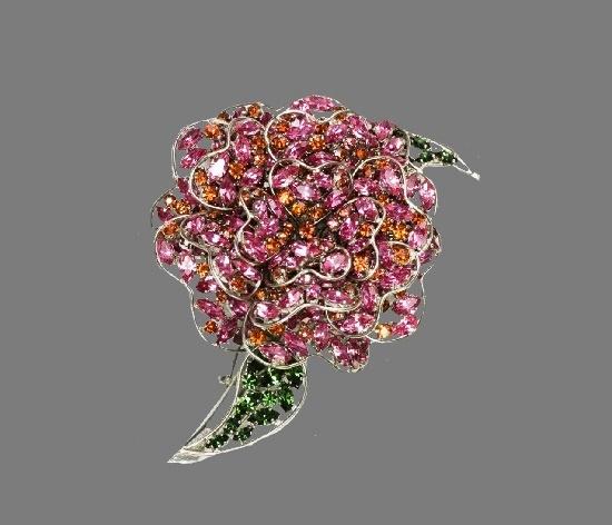 Crystal flower brooch. Silver tone metal