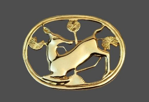 Deer gold plated oval shaped brooch