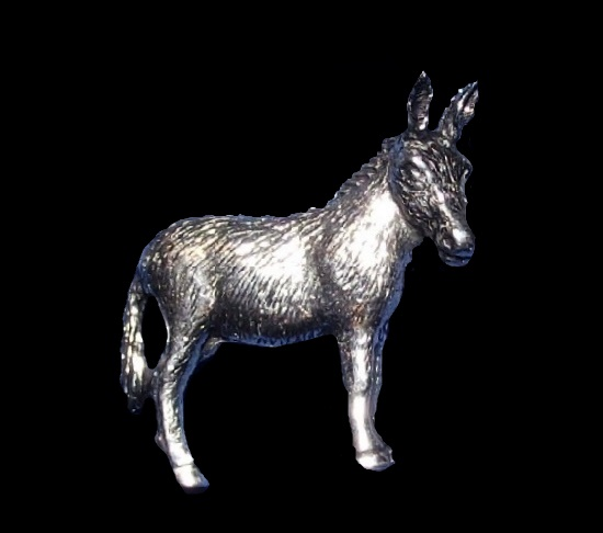 Donkey brooch pin
